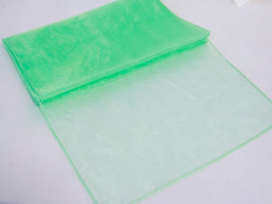 green-organza-table-runners