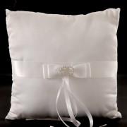 ring-pillow-diamante-circle